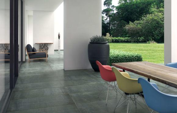 Tron 600×600 metallic effect tile